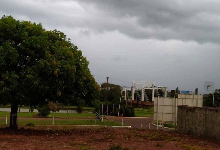 Sexta feira de tempo nublado em Fátima do Sul