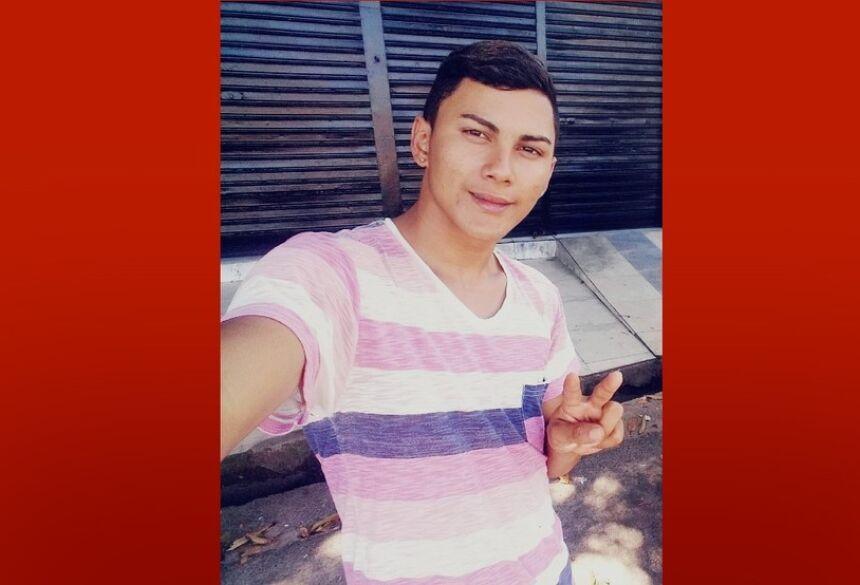 João Paulo Ferreira dos Santos tinha 19 anos e saiu do Pará para buscar emprego em SC, mas morreu no acidente  Foto: Arquivo pessoal