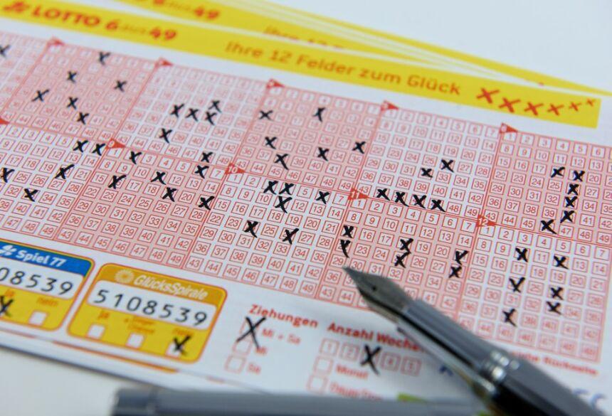Bilhete de loteria da Lotto alemã, imagem ilustrativa  Foto: Dirk Vorderstraße/CC BY-NC 3.0