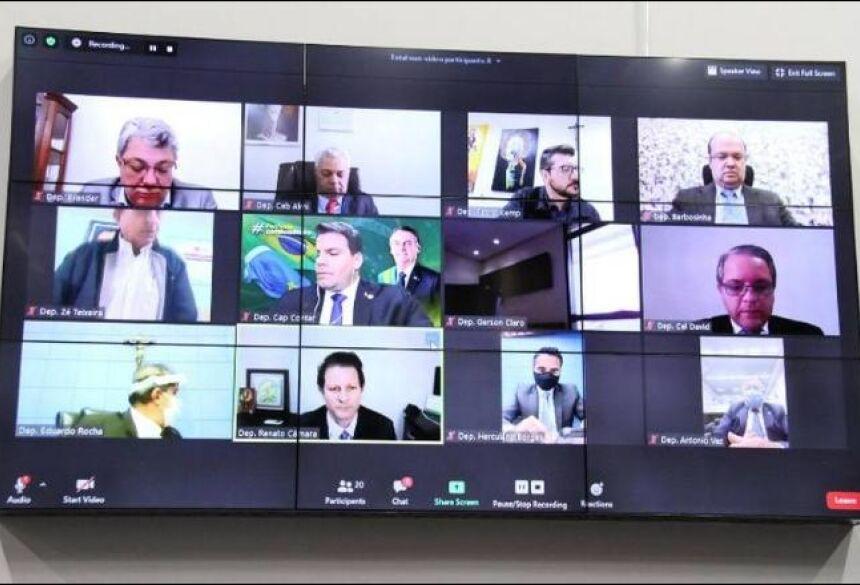 provada inclusão de intérprete de Libras nos programas da TV pública - Divulgação
