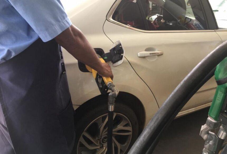 A Petrobras já promoveu oito aumentos seguidos no preço da gasolina, disse Tavares.