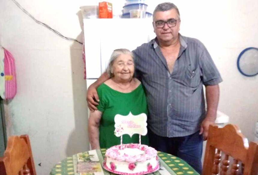 Maria Oliveira(in memorian) com seu filho Linconl