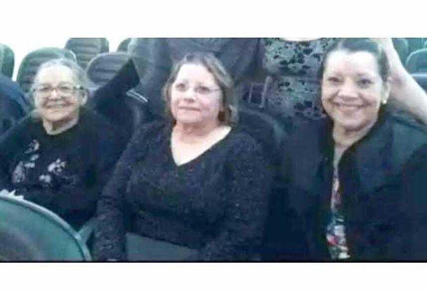 As três da família Pedroso Nascimento que partiram: a mãe Cida e as filhas Alair e Edna. (Foto: Arquivo Pessoal)