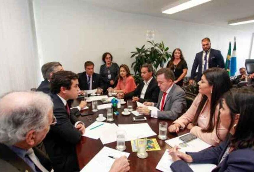 Bancada federal de Mato Grosso do Sul, com deputados e senadores, em reunião com o prefeito da Capital. (Foto Arquivo)