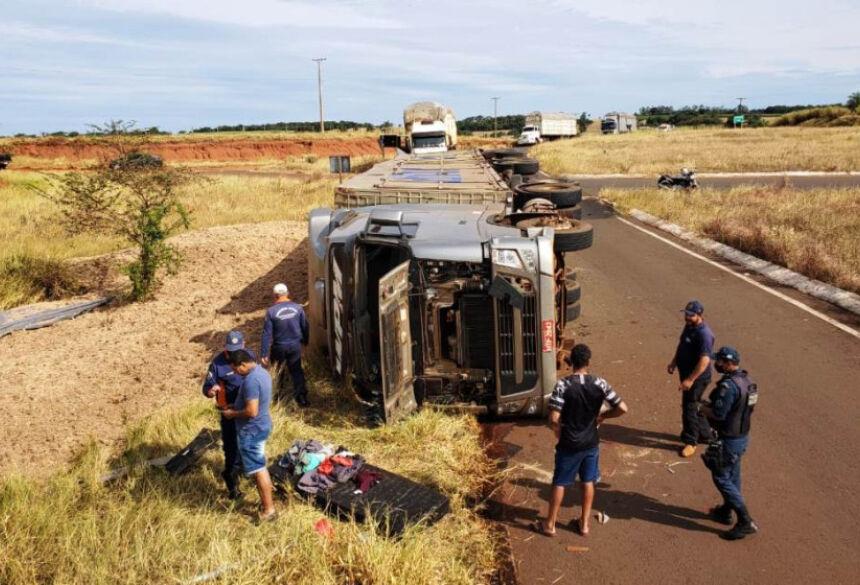 Acidente matou motorista na rodovia MS-145 em Deodápolis - Foto: Deodapolisnews/Ivinoticias