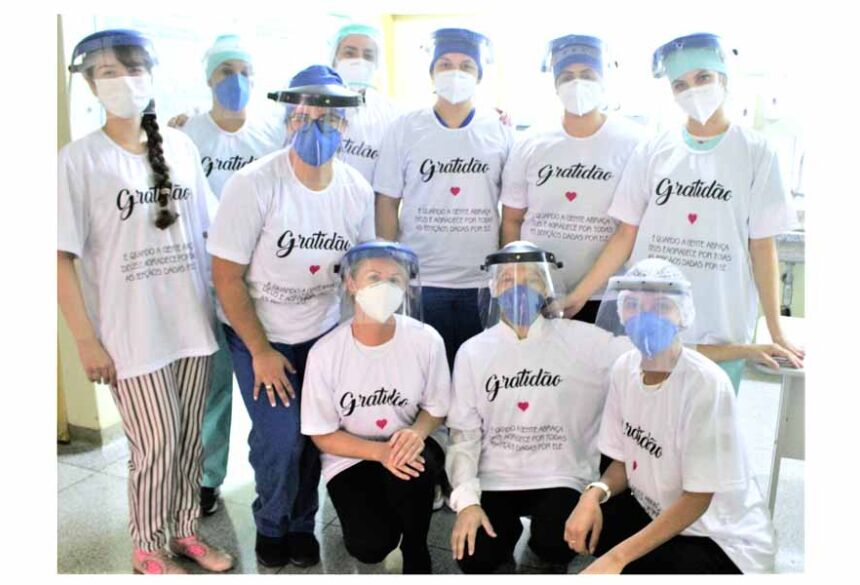 Homenagem aos profissionais da saúde do Hospital da SIAS