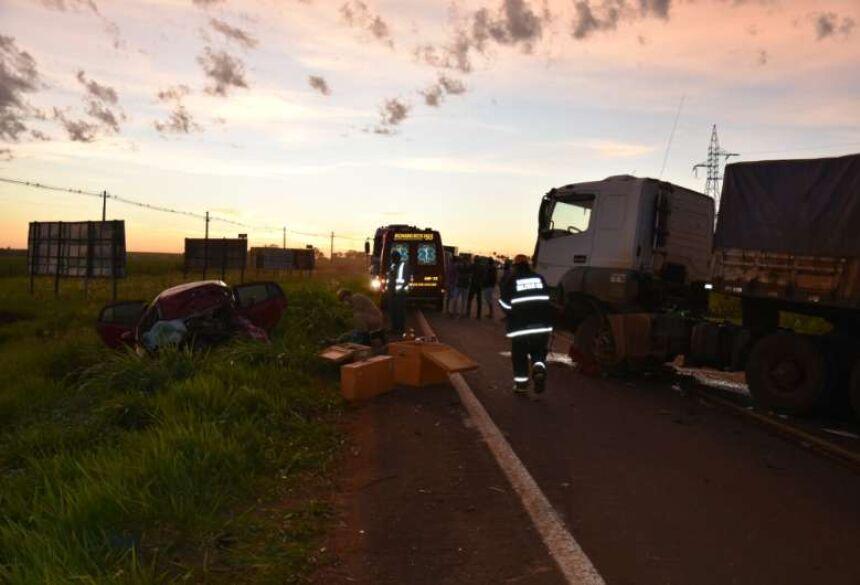 Colisão ocorreu no início da manhã de hoje em Maracaju - Crédito: Robertinho/Maracaju Speed