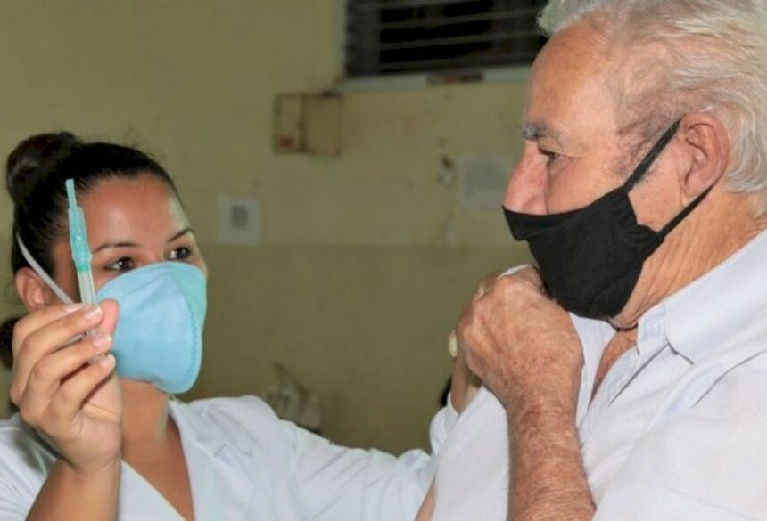 88% dos idosos entre 60 e 79 anos estão imunizados no Mato Grosso do Sul.  Foto: PMCG/Divulgação