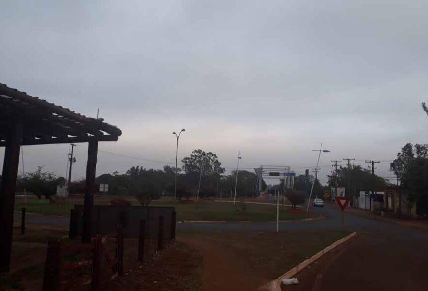 Tempo fechado na manhã desta terça feira em Fátima do Sul
