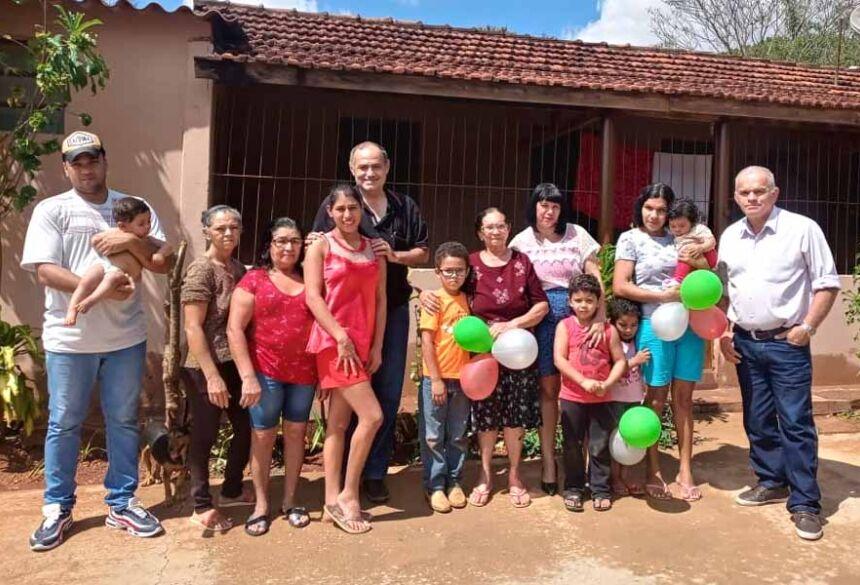 Amigos e familiares no aniversário da dona Zéfinha