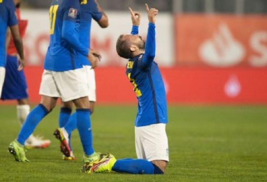 Everton Ribeiro comemorando gol pela seleção brasileira nas eliminatórias Lucas Figueiredo/CBF