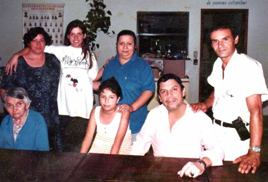 Carlito no ano de 1997, com a familia e o Fotógrafo José Cortez