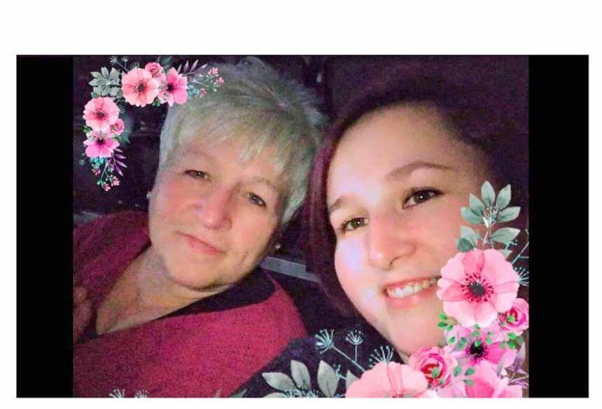Heather Maddern, de 55 anos e a filha Sammie-Jo Forde, de 32 morreram de Covid-19 Foto: Reproduçao Facebook