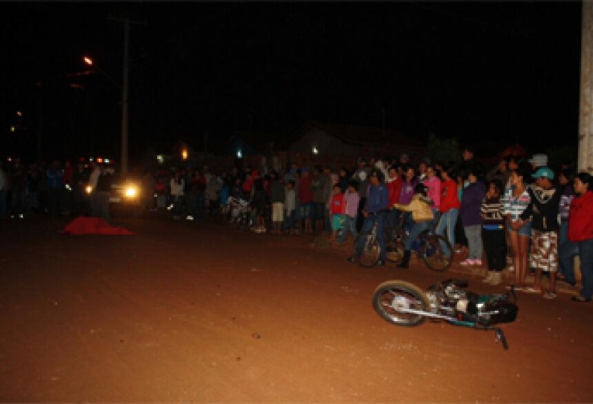 Em ruas sem sinalização, adolescente de 17 anos morreu. Foto: Sidnei Bronka ao bater motocicleta em ônibus  No local do acidente a sinalização estava danificada