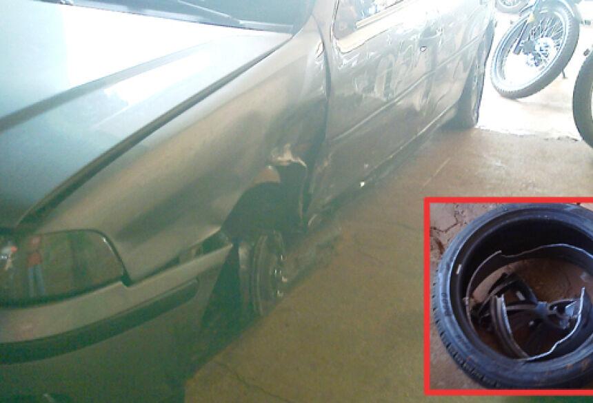 Detalhes do carro e roda que ficou totalmente destruídaFoto: Fátima News