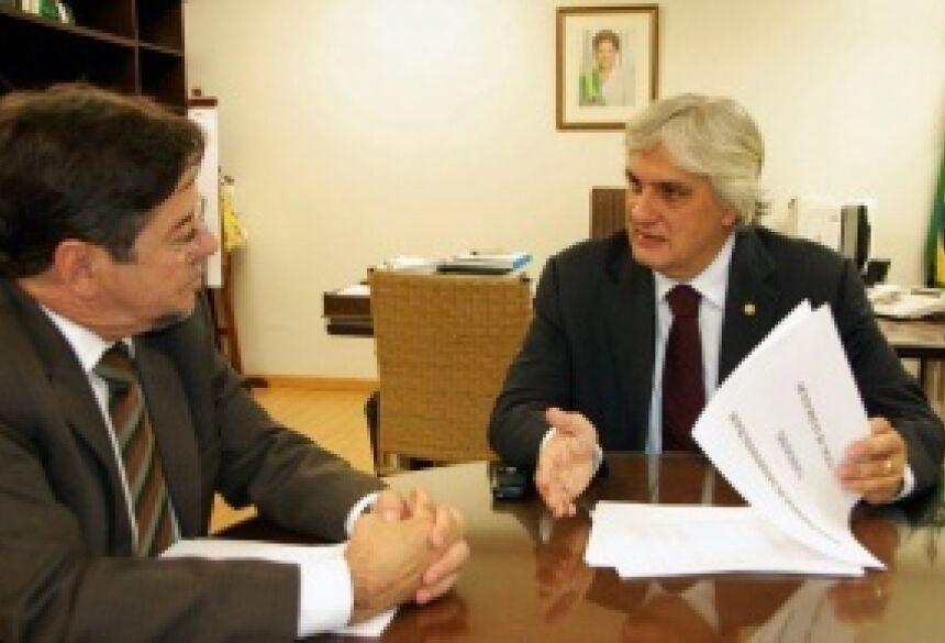 Delcídio recebeu hoje a confirmação dos R$ 93 milhões para 33 cidades