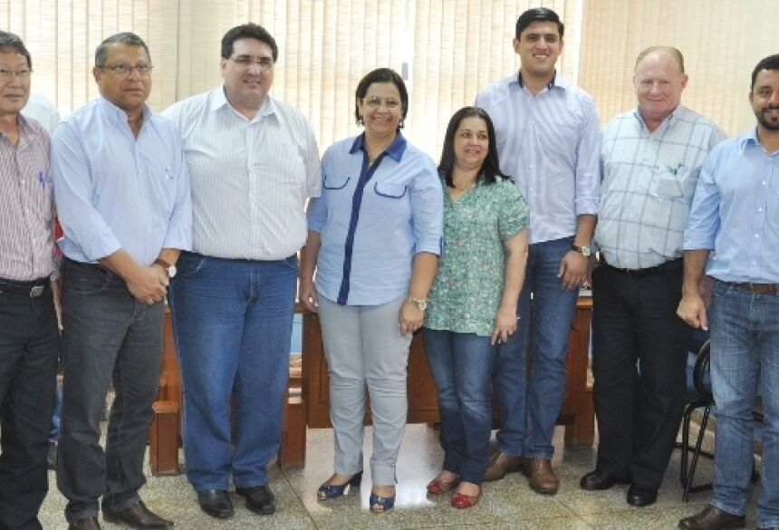 Prefeitos reunidos em Glória de Dourados para assinatura de Convênio (Foto: Demerval Nogueira / Fátima News)