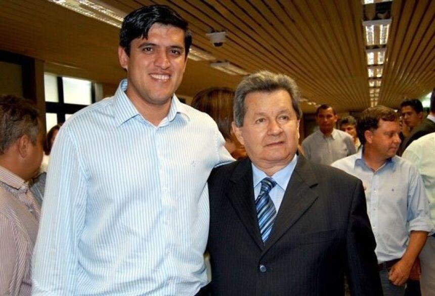 Prefeito Júnior e o Deputado Onevan de Matos (PSDB) que viabilizou emenda no valor de 85 mil na manhã desta quarta-feira (27) em Campo Grande. (Foto: Ribero Júnior / AgoraNews)