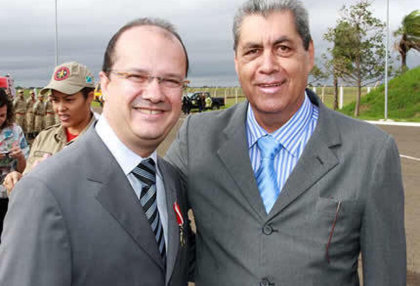 Presidente José Carlos Barbosa com Governador André Puccinelli <br>Foto: Rachid Waqued