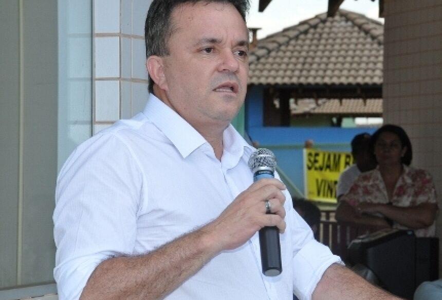 Vander Loubet durante seu pronunciamento (Foto: Rogério Sanches / Fátima News)