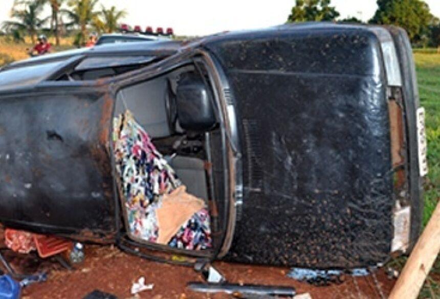 Veículo Fiat Uno envolvido no acidente - Foto: Ribero Júnior / AgoraNews