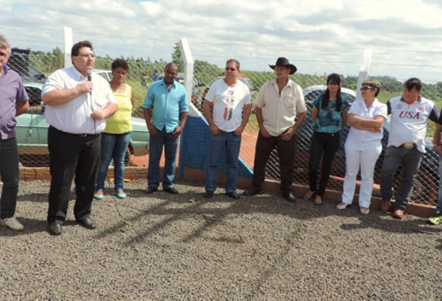 Prefeito Arceno Athas com vereadores durante inaguração - Foto: Demerval Nogueira / Fátima News
