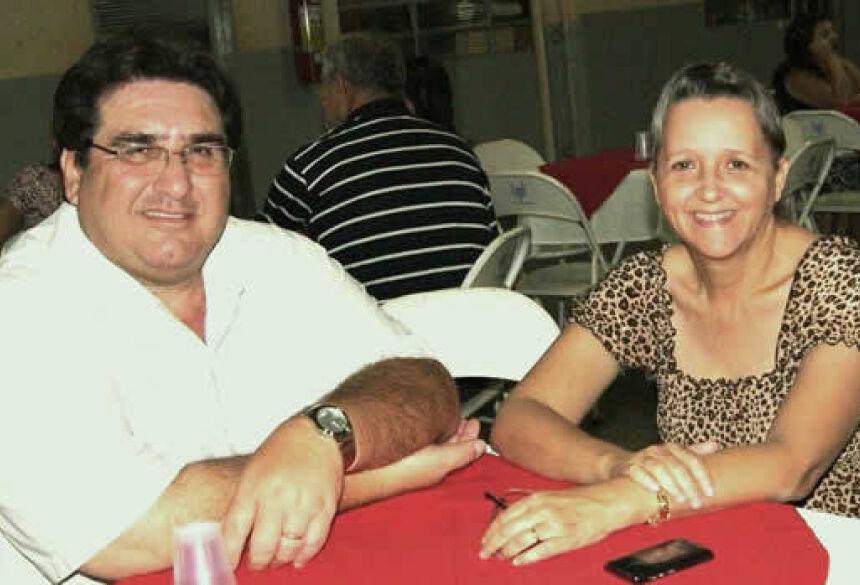 Prefeito Arceno Athas com primeira dama Mariângela Athas - FOTO: DEMERVAL NOGUEIRA / FÁTIMA NEWS