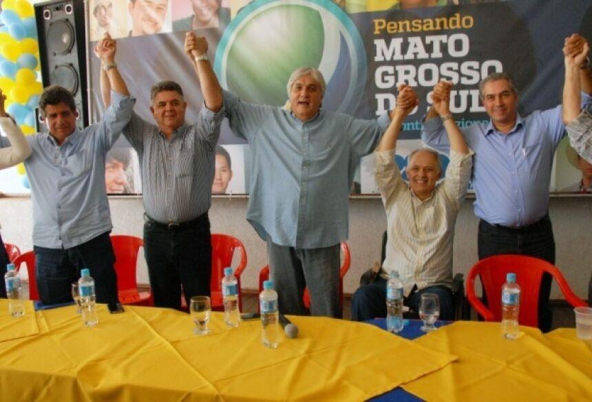 Delcídio no meio da cúpula opositora ao governo da presidente Dilma Rousseff (Foto: Jéssica Barbosa)