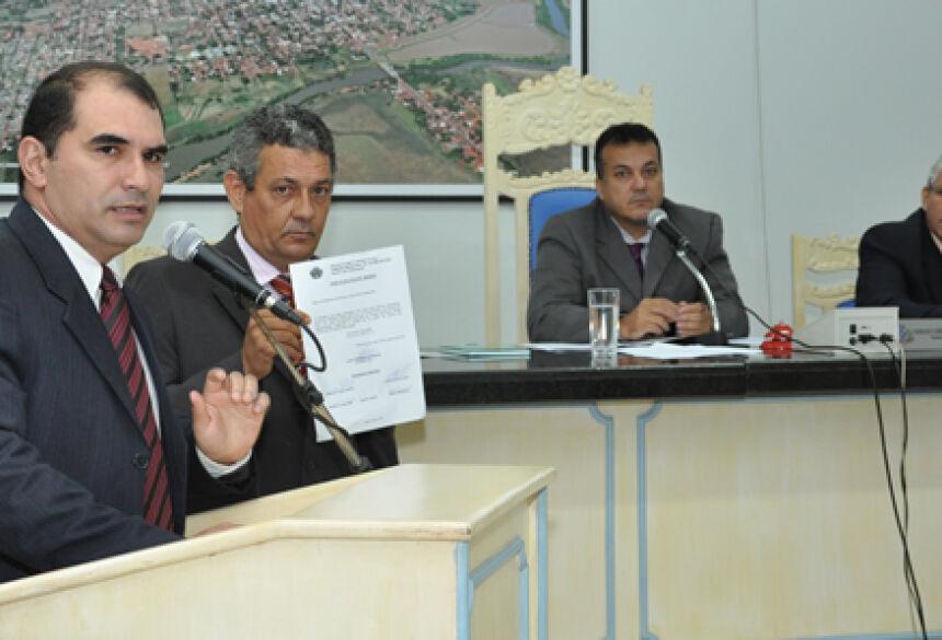 Presidente Ermerson Cleber (PT), durante pronunciamento na Tribuna - FOTO: ROGÉRIO SANCHES / FÁTIMA NEWS