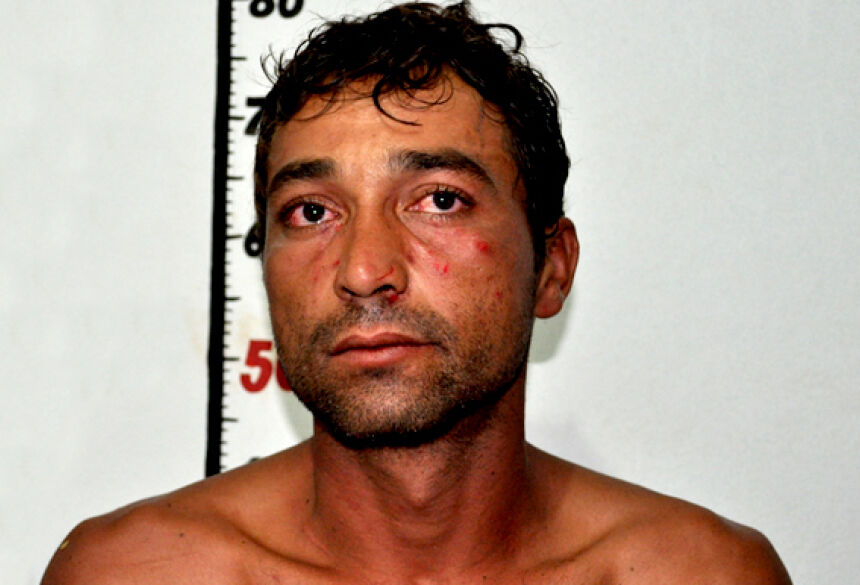 Gilmar Francisco de Souza, de 32 anos, foi preso em flagrante logo após praticar roubo e agredir