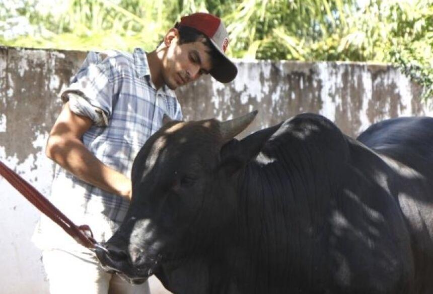 Ricardo e Xaropinho no Centro de Figueirão. (Fotos: Cleber Gellio)