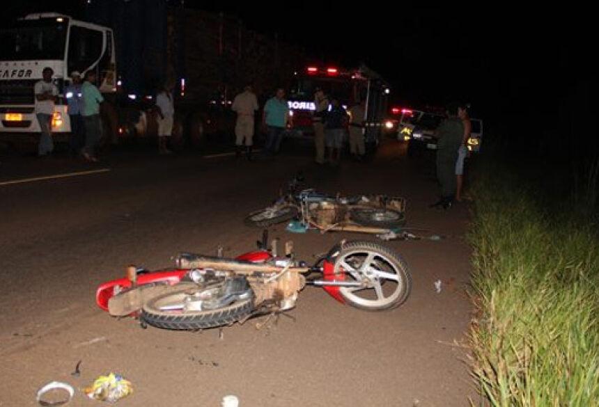 Foto: Pollyanna Eloy/Minutoms Com o impacto a colisão, Laércio foi arremessado para a pista contrária
