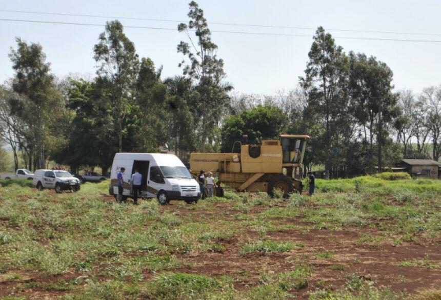 Acidente aconteceu no fim da manhã deste domingo em propriedade rural às margens da BR-163 (Foto: Osvaldo Duarte)