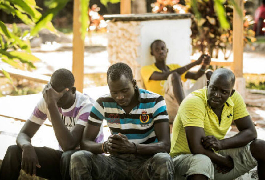 Grupo de senegaleses em abrigo de Rio Branco, mantido pelo governo do Acre; eles esperam visto para trabalhar no país Grupo de senegaleses em abrigo no Acre; eles esperam visto para trabalhar no país. Foto: Eduardo Anizelli/Folhapress