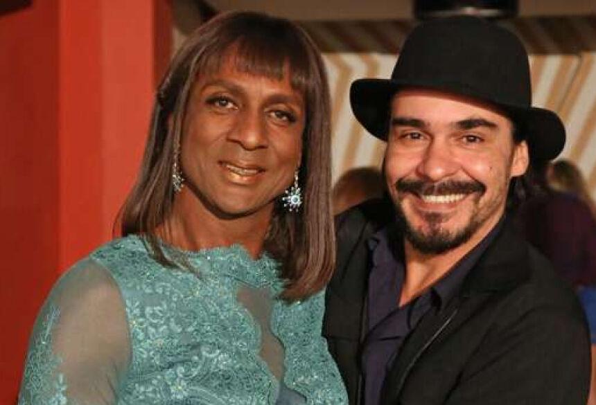 Dorothy e Cidão: romance discreto às 7 da noite (Foto: Divulgação/TV Globo)