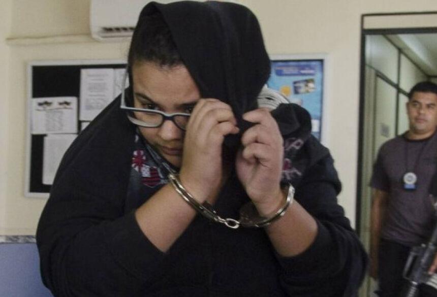 Acusada de matar PM e a namorada, Aline foi presa em casa Foto: Mazé Mixo / Agência O Globo
