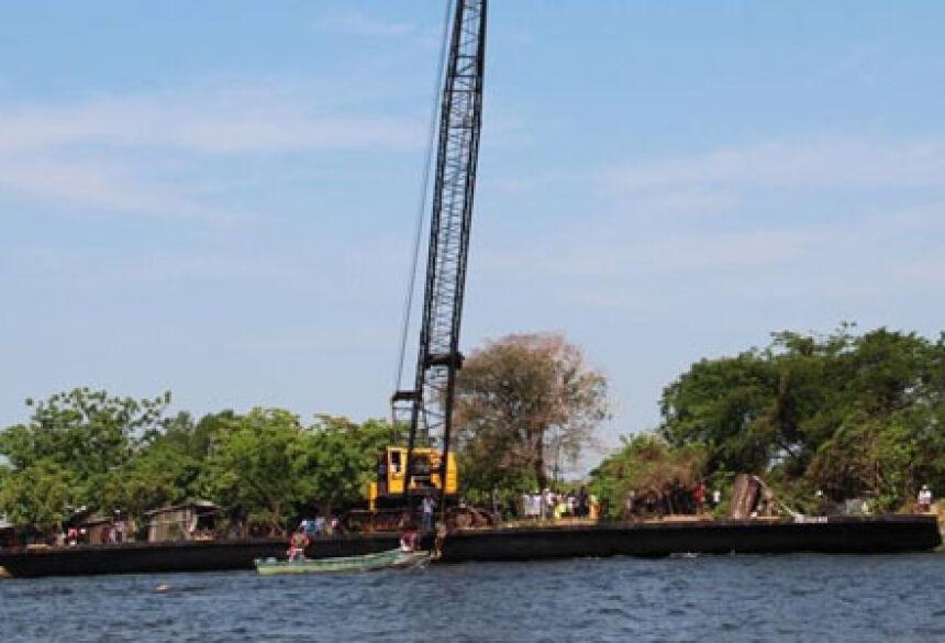 Equipe de Bonito auxiliará força tarefa para resgatar embarcação do Rio Paraguai (Foto: Folha de Murtinho)