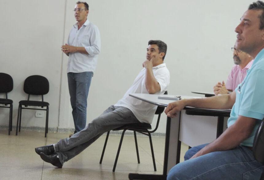 FOTO: GLÓRIA INFORMA - Aristeu forma comissões para discutir programação 29ª EXPOGLÓRIA