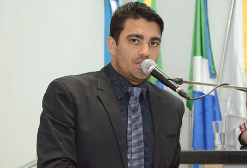 FOTO: ROGÉRIO SANCHES / FÁTIMA NEWS - Na Tribuna ca Câmara de Fátima do Sul, Vereador Diego Carcará
