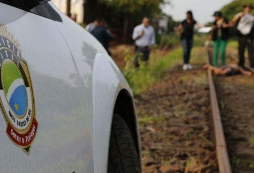 Homicídio registrados em Campo Grande, em 2015, quando um homem foi morto a pauladas e por asfixia e corpo foi encontrado na linha do trem. (Foto: Gerson Walber/Arquivo).