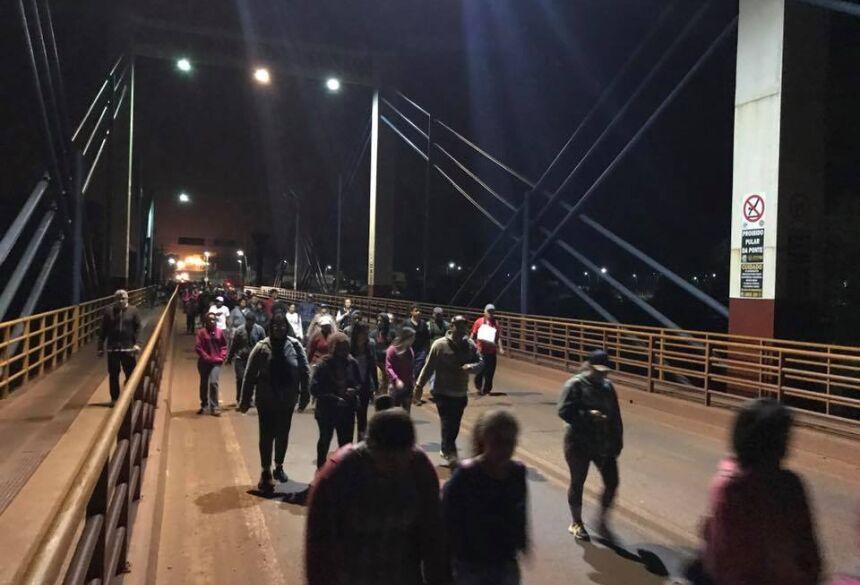 350 pessoas participaram da Caminhada (foto facebook)
