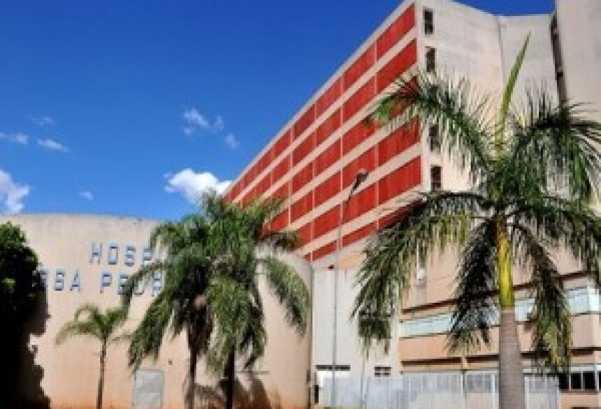 Criança de 1,5 ano está internada no CTI do Hospital Regional - Valdenir Rezende/Correio do Estado