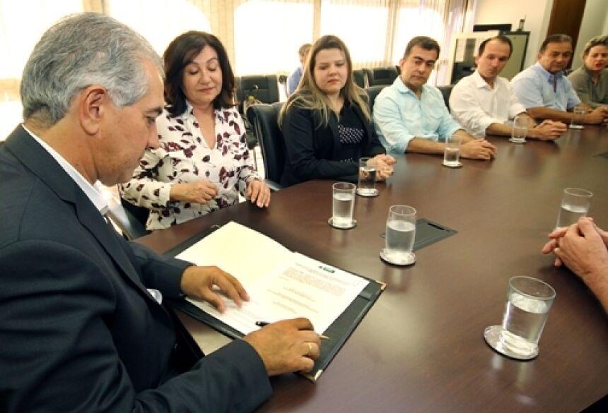 Fotos: Edemir Rodrigues - Governador Reinaldo Azambuja diz que 'governo está presente' ao liberar R$ 5 milhões