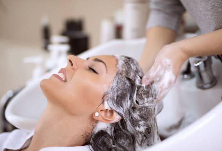 """De acordo com a agência reguladora, as tinturas para cabelo têm """"características divergentes das constantes na embalagem original, tratando-se portanto de falsificação"""". (Ivanko Brnjakovic/Thinkstock's/Thinkstock)"""