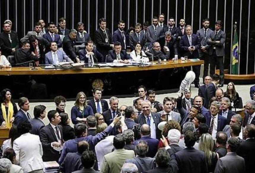 Câmara votou para barrar prosseguimento da denúncia contra Michel Temer - Foto: Gilmar Felix / Câmara dos Deputados