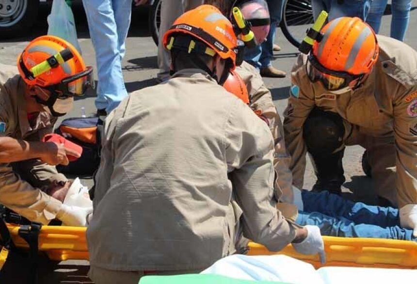 Acidente aconteceu no cruzamento da Avenida José Heitor de Almeida Camargo com a Rua Walter Hubacher - Foto: Luciene Carvalho/Nova News