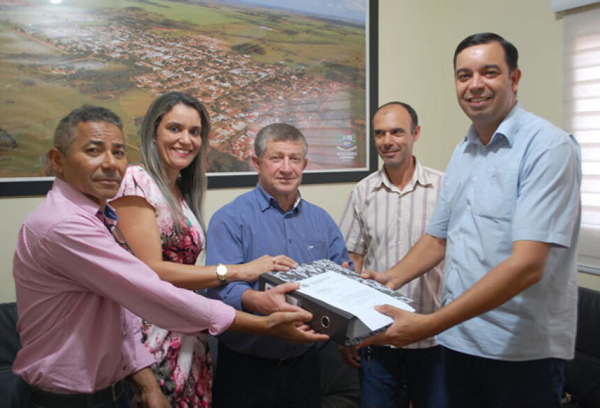 FOTO: LUCAS MOURA - Eraldo entrega Plano Plurianual ao Legislativo que estabelece metas e objetivos do Executivo