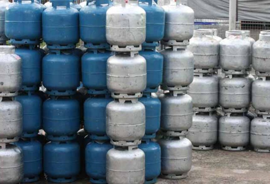 Preço atual médio do botijão de gás de 13 quilos é de R$ 46 (VEJA.com/Divulgação)