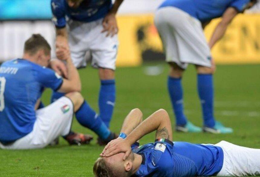 Itália ficará fora de Copa pela terceira vez Foto: MIGUEL MEDINA / STF