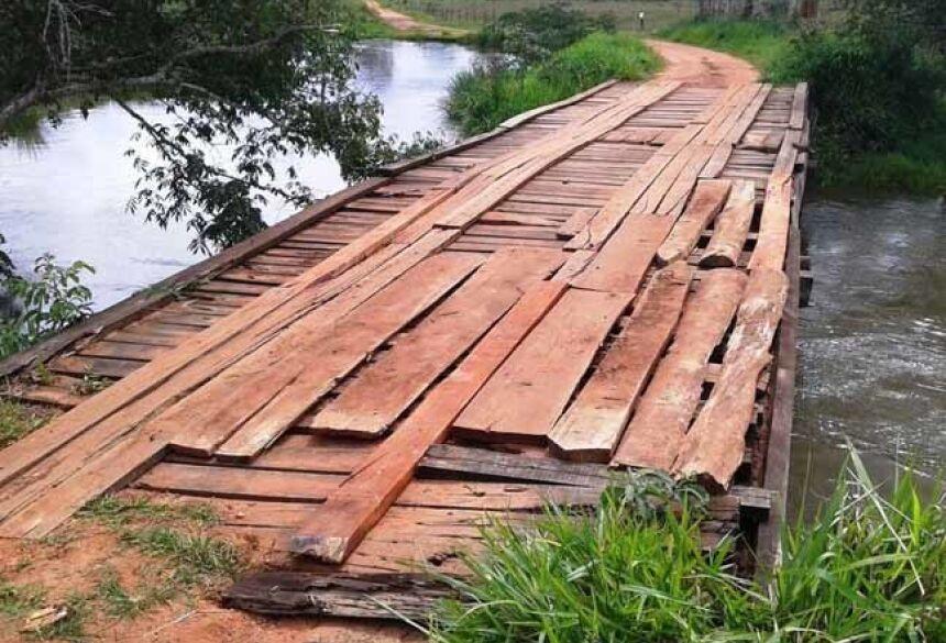 Interdição da ponte sobre o Rio Samambaia é uma medida de segurança - Foto: PMB